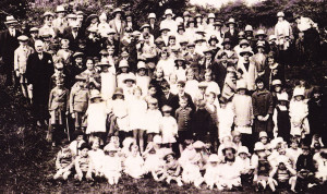 Sunday School outing to Newlands Corner (1929)